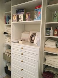 Linens & toiletries
