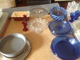 Royal blue pieces plus bakewear