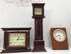 Assorted clocks.