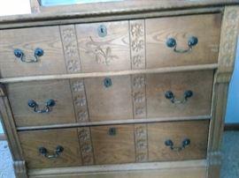 Vintage 3 drawer dresser with mirror