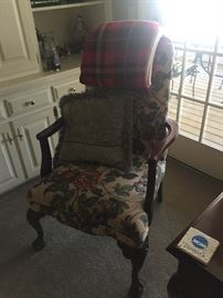 Arm Chair / Cabriole front legs