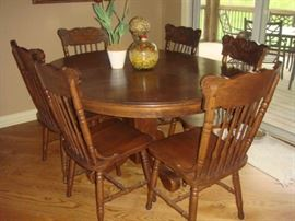 Oak Table and Chairs (there are only 5 chairs)