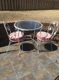 Patio Bistro set (2 chairs)