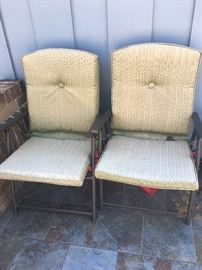 Outside lawn chairs with cushions