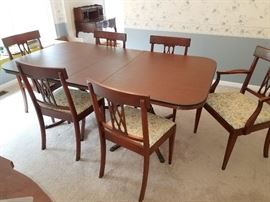 1930s Dining room table and six chairs with pads and more leafs