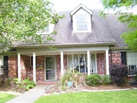 Home in Tall Timbers - quiet subdivision off General DeGaulle (Westbank)