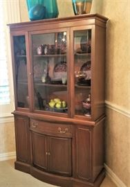Beautiful Mahogany China Cabinet/Hutch