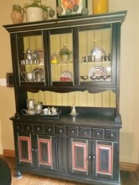 "SHOW STOPPING Black ""Distressed"" buffet .  VERY, VERY Pretty !!!!"