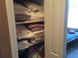 NICE CLEAN LINENS