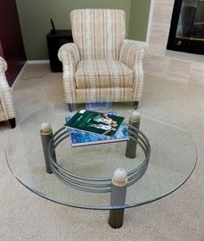 LOVE THIS GLASS  COFFEE TABLE