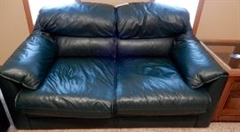 GO MSU SPARTAN GREEN LEATHER TWO SEATER COUCH