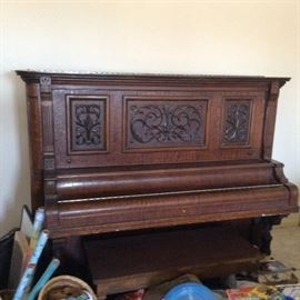 ANTIQUE ORNATE UPRIGHT PIANO