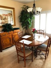 Lovely Dining Room set, 6 chairs and buffet, solid wood