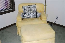 Occasional Chair w/ottoman