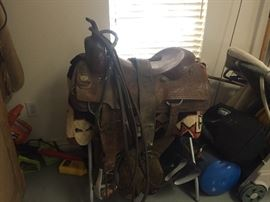 "Custom made 17"" cutting saddle Southern Cross Fort Worth, Texas.  Rough out leather seat cutting horse Saddle. We are selling all the tack, 2 saddle racks, 2 sets of reins and all gear for $550 and is for pre sale!"