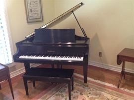 "Baldwin Baby Grand Piano  4 ft 10""wide and 5'6 deep made in USA $16,000 new in 1989 Pristine condition! We are pre-selling this Item starting the price at $7500 obo"