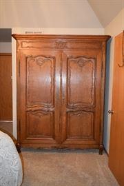 Vintage Cabinet w Shelves