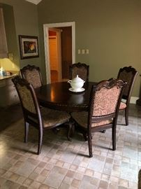Beautiful fine condition breakfast or dining set with upholstered heavy chairs