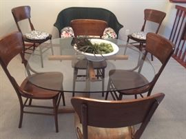 6 Wood Dining Chairs in near perfect condition