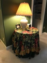 Accent lamp table and linens
