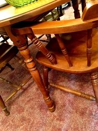 Nice Maple Dining Set with 2 Leaves...