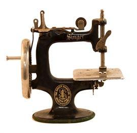Miniture Singer Sewing Machine
