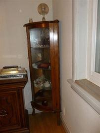Small corner curio