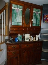 Free-standing cabinet..great for a bar..does have one green panel that needs replacing..see next photo