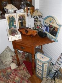 Country Corner Table, Dolls, Toys