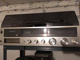 Magnavox 8 track record player stereo and speakers