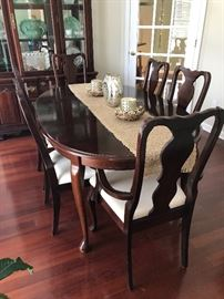 Dining Room, Table and 6 Chairs, Hutch