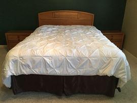Queen bed set with Basset headboard