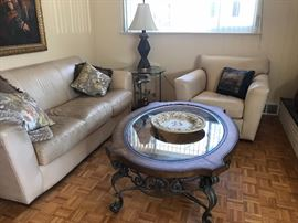 THOMASVILLE LEATHER COUCH AND CHAIR WITH MATCHING OTTOMAN