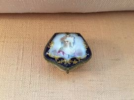 French porcelain patch box