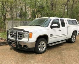 2013 GMC 3/4 ton, 77,000 miles, Leather interior, New Topper- Texas addition