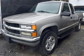 At 8PM: 1998 Chevrolet Silverado 1500 4x4 Pickup Truck | 170,941 Miles; Silver Exterior/Blue Cloth Interior; Power Windows, Mirrors, Locks; Remote Keyless Entry; AM/FM Stereo with CD, and much more. VIN: 2GCEK19RXW1183704