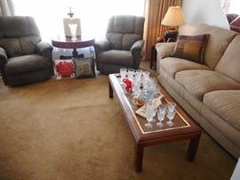 Nice Clean Home!! Living Room