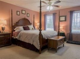 Four poster cherry bedroom