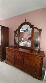 Broyhill dresser with vanity mirror