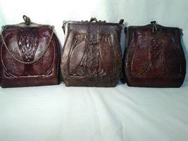 3 Small Leather Purses   https://ctbids.com/#!/description/share/20268