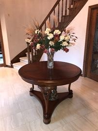 "THOMASVILLE ROUND TABLE 45"" DIA x 30""H"