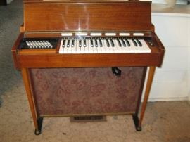 Farfisa Organ