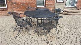 $160    Black wrought iron 5 piece patio set