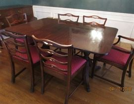 dining room table and chairs. 2 leaves
