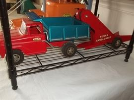 Vintage Tonka working sandloader and box with box