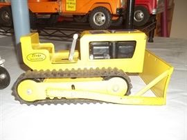 vintage Tonka bulldozer with box