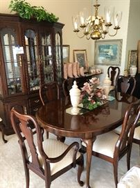 Thomasville dining room set with matching china cabinet
