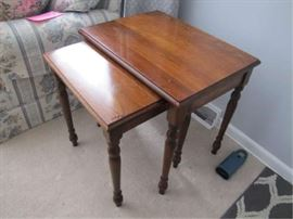 6 NESTING TABLES