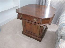 8 END TABLE