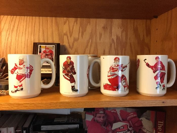 Red wings mugs